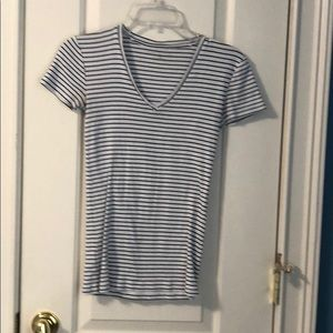 Ann Taylor black and white stripped t shirt